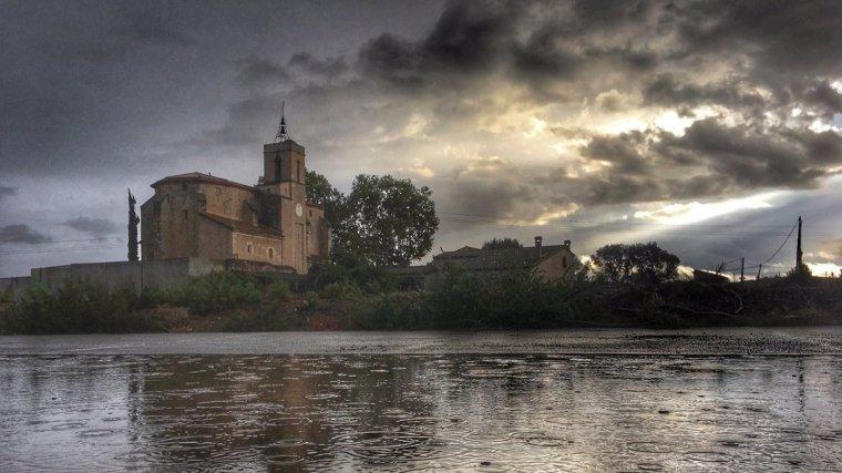 núvols, sol i pluja, alguns dels fenòmens metereològics habituals a Tarragona