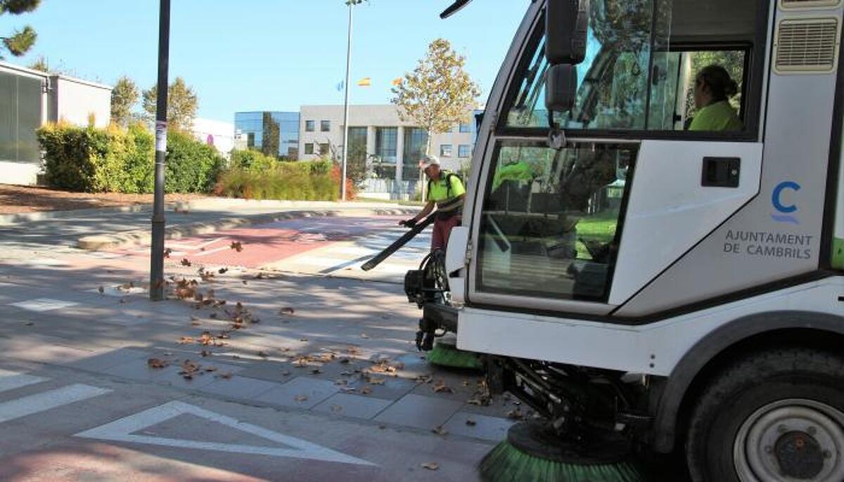 Imatge d'un camió de neteja de l'Ajuntament de Cambrils.