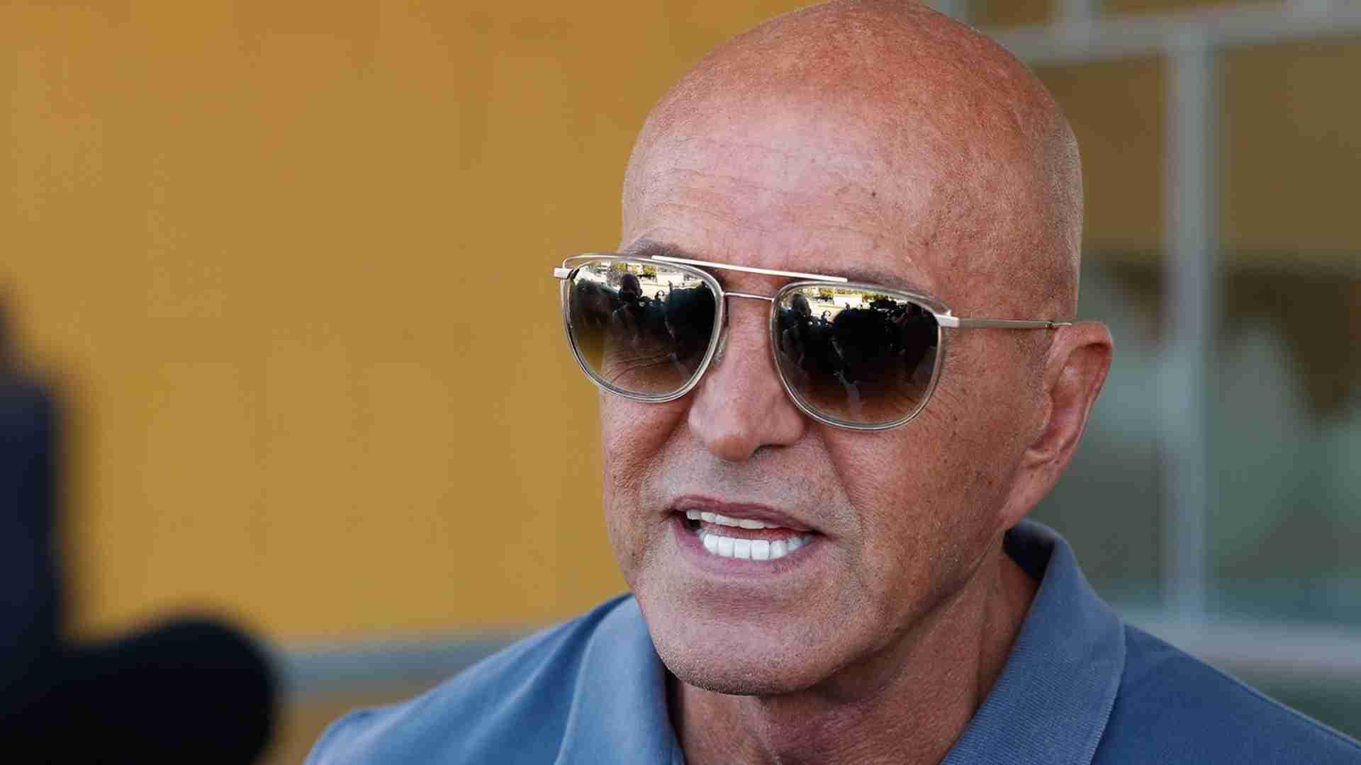 Kiko Matamoros con unas gafas de sol en primer plano