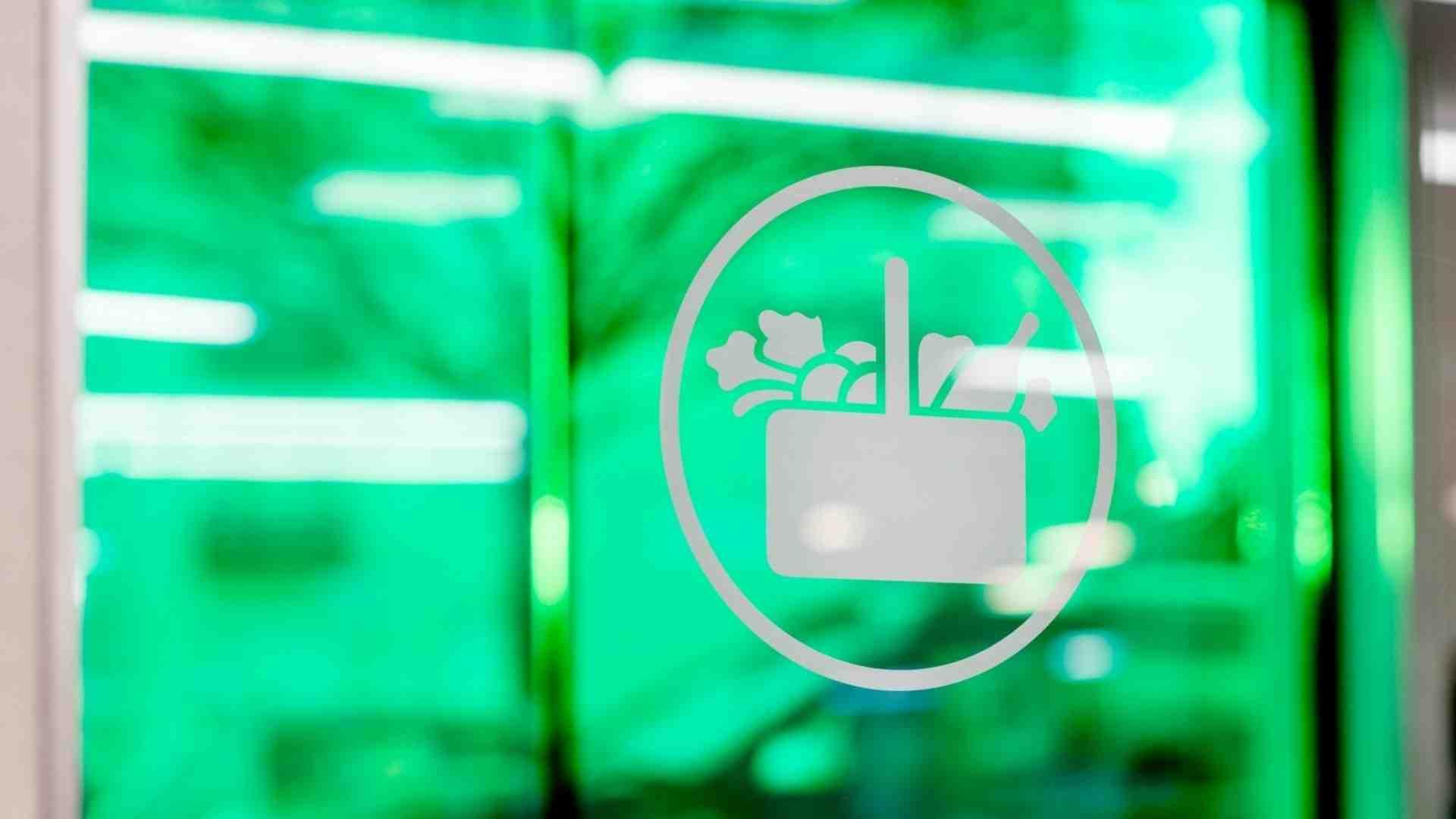 Logo principal de Mercadona con verde detrás