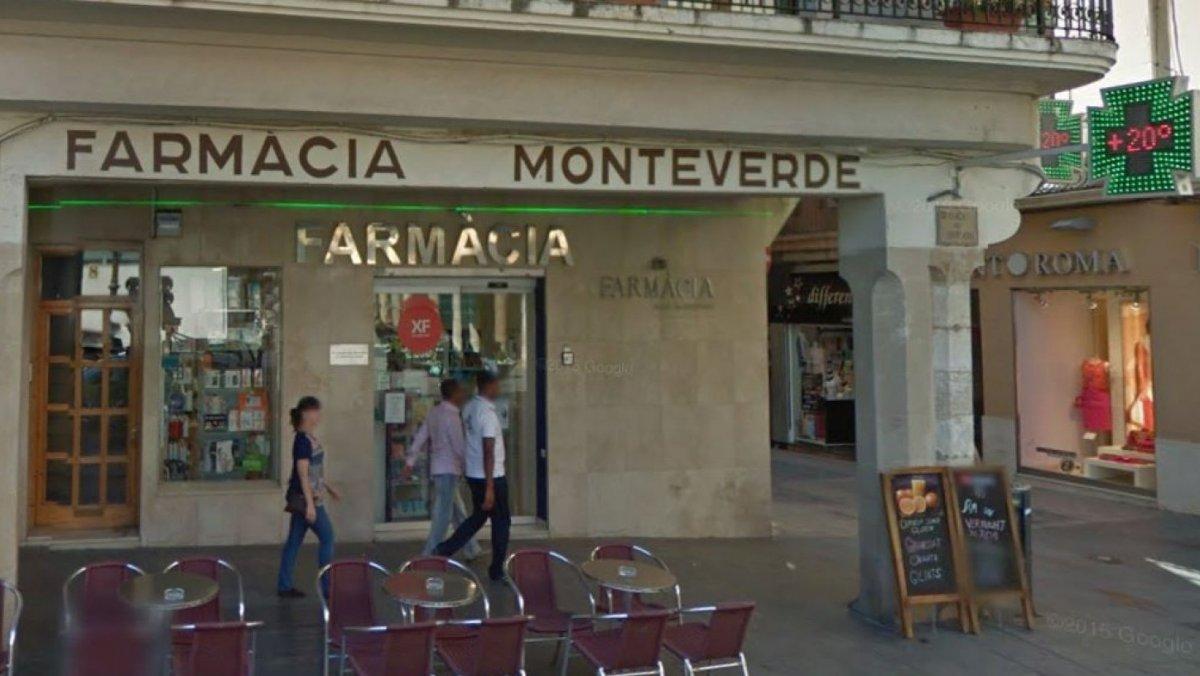 Farmàcia de la plaça del Mercadal de Reus