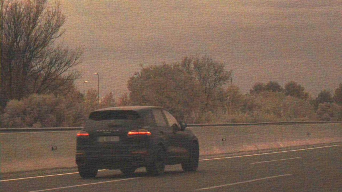 Una imatge del cotxe que va ser caçat pels Mossos d'Esquadra a 215 quilòmetres per hora.