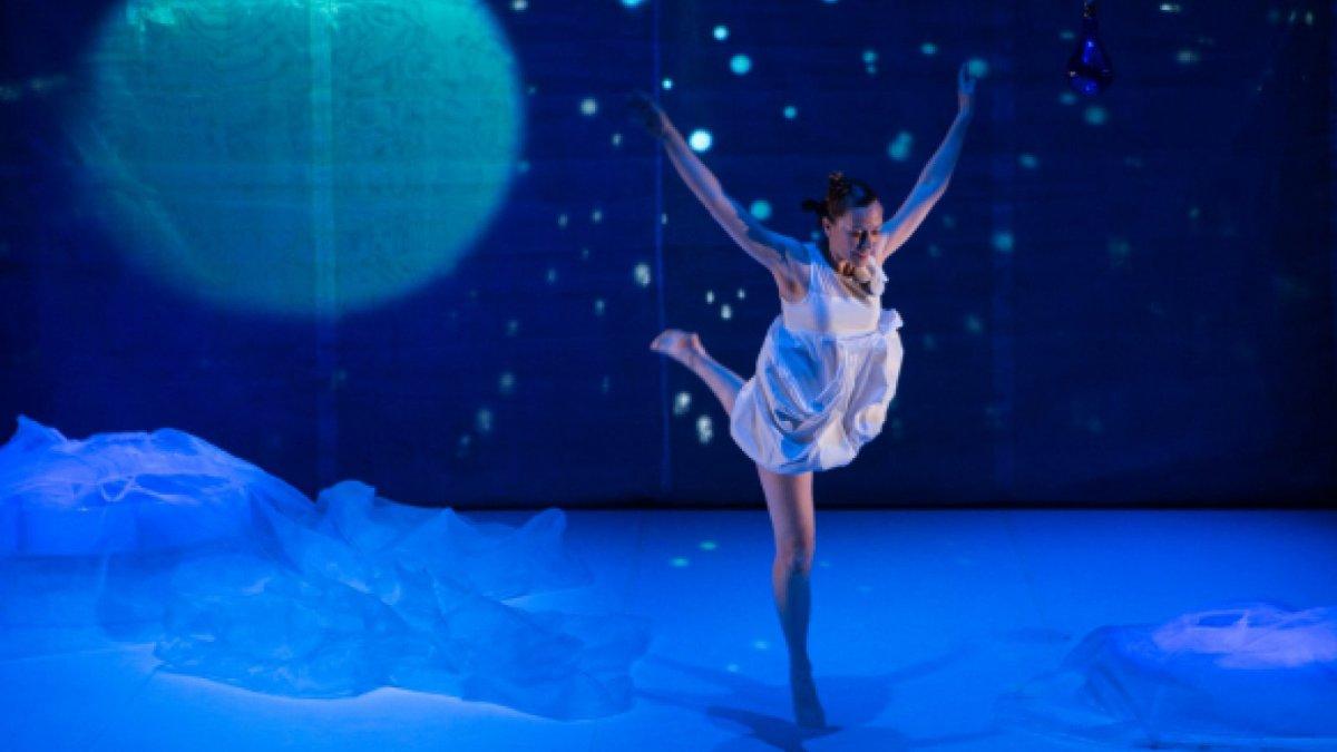 L'espectacle Blink Flash Duncan està basat en la biografía de la ballarina Isadora Duncan.
