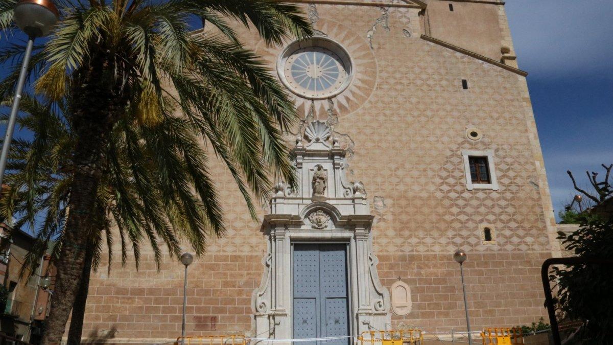 Imatge d'arxiu de l'església de Sant Feliu de Constantí.